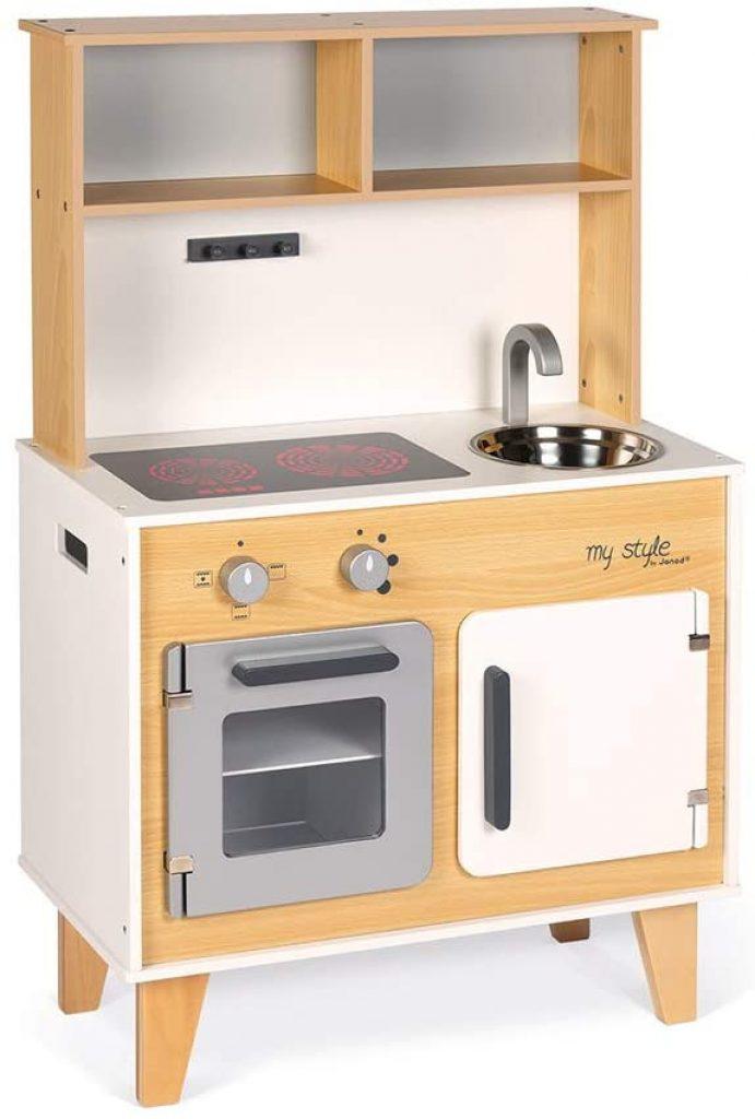 Cette cuisine Janod est livrée avec des sitckers.