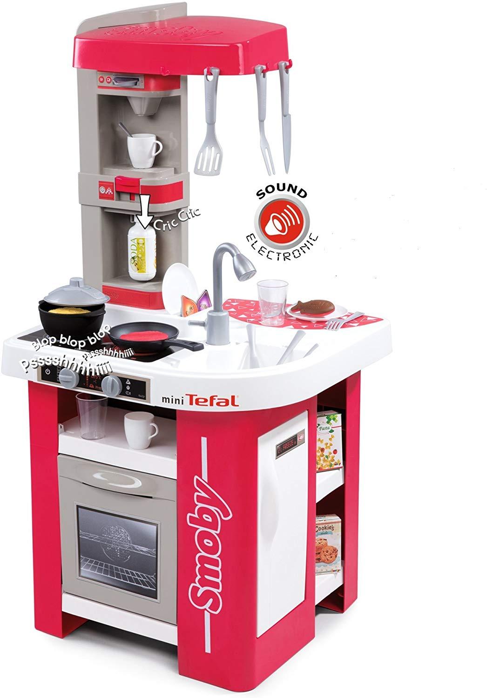 La cuisine Tefal Studio version mini possède 27 accessoires et de nombreux équipements.