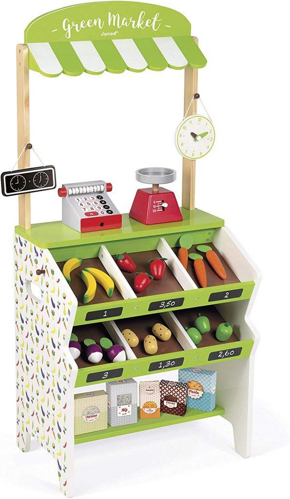 L'épicerie Green Market de Janod va permettre à votre enfant de s'amuser au jeu de la marchande.