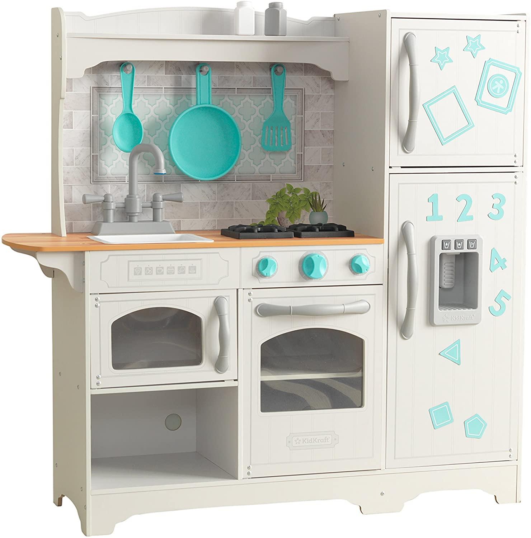 La cuisine Kidkraft Countryside dispose d'une machine à glaçons.