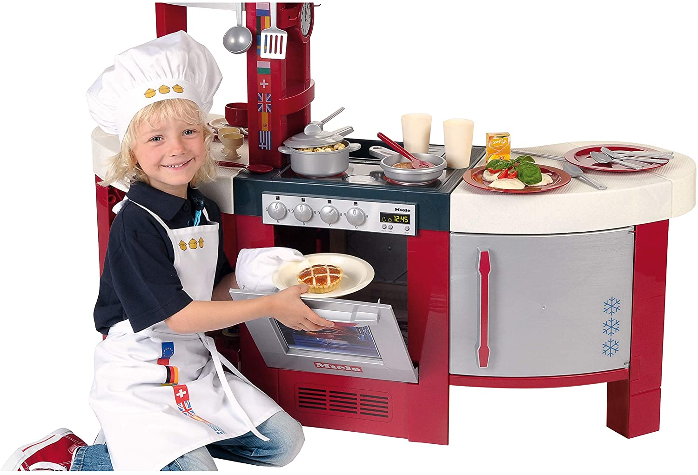 La cuisine Miele Gourmet International possède un four.