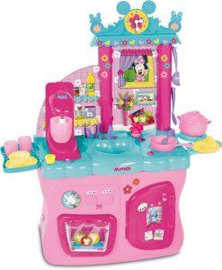 Cette cuisine Minnie en plastique est très girly