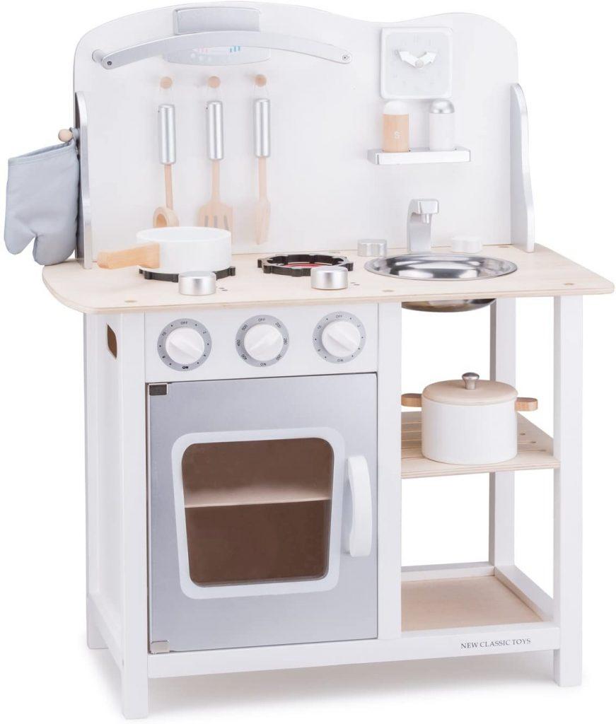 La cuisine New Classic Toys Bon Appétit existe en plusieurs couleurs.