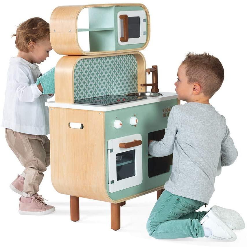 La cuisine en bois Janod Cooker Reverso propose deux côtés de jeux !