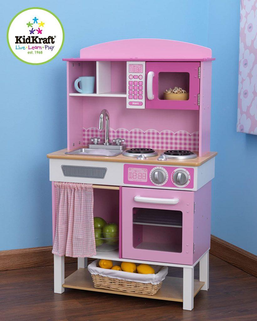 La cuisine Kidkraft Home Cookin n'inclut aucun accessoire.