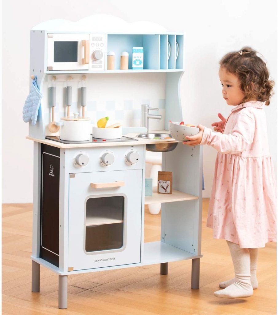 La cuisine New Classic Toys a un design so cute !
