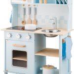 La New Classic Toys cuisine Bon Appétit existe en plusieurs coloris.